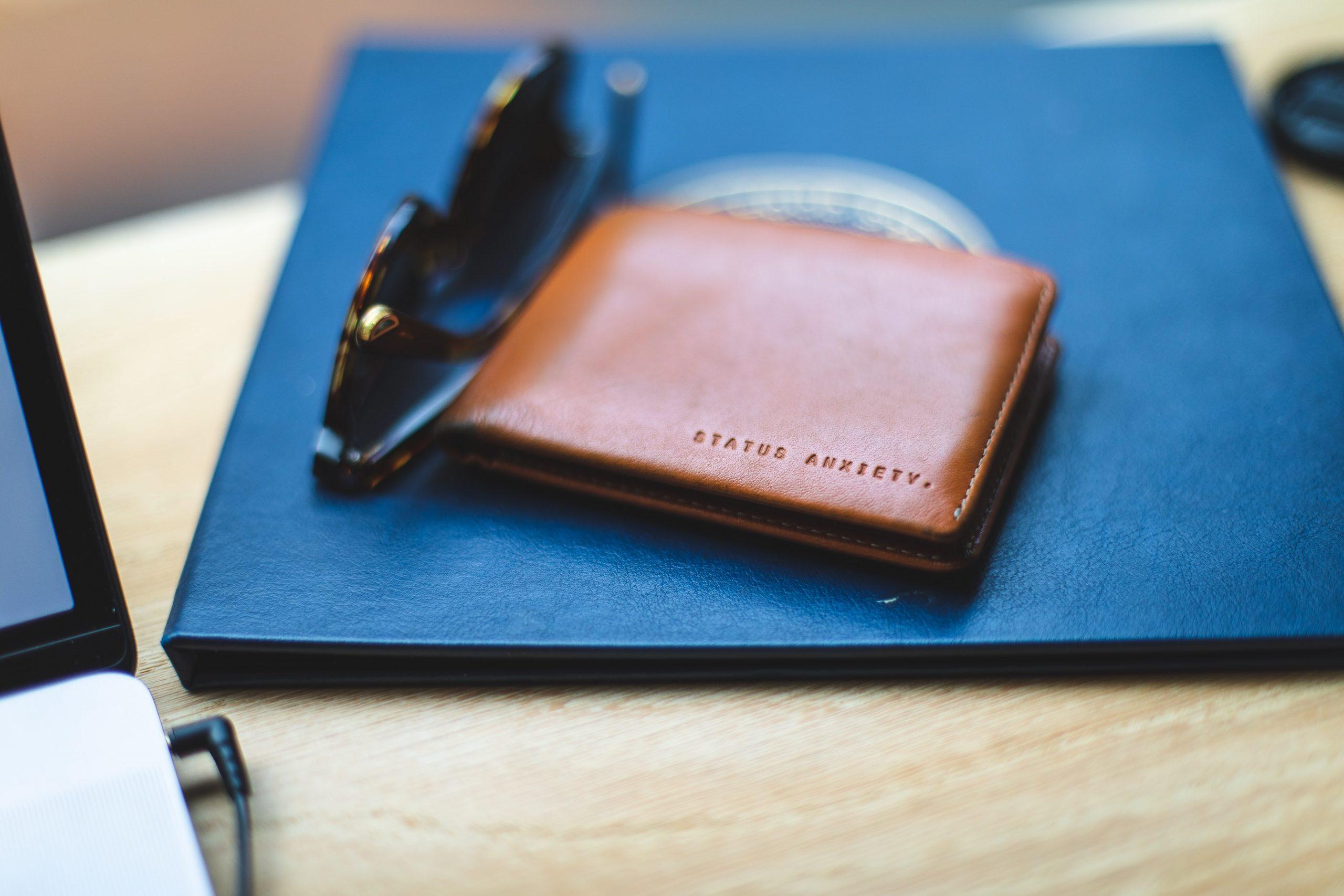 左利き用の財布を母にプレゼント~右利きにはわからないこと、調べたら色々なことが判明した~